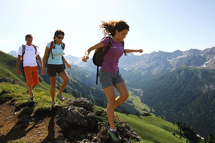 Jak przygotować się do wyprawy górskiej z namiotem?